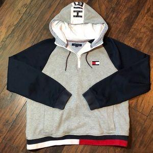 Tommy Hilfiger Men's Size XL Hooded Sweatshirt